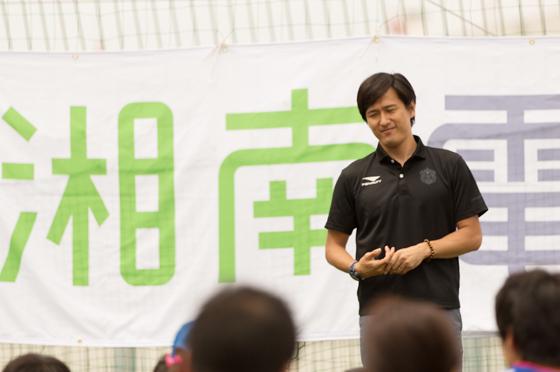 1部、2部ともに開始に先立ち、湘南ベルマーレの坂本取締役が挨拶を行いました。